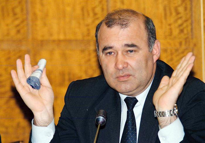 """""""Guru"""" moldovenismului primitiv, fostul comunist Victor Stepaniuc, s-a reciclat in popular-socialist"""