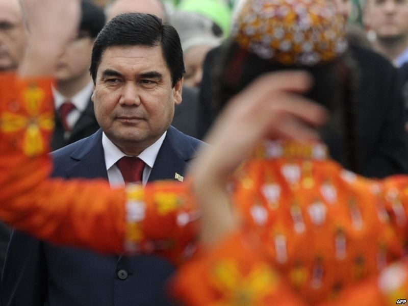 Presedintele turkmen Gurbanguli Berdimuhammedov, favorit la alegerile prezidentiale din 2012