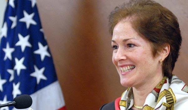 Diplomatul american Marie Yovanovitch, acuzata de apartenenta la CIA, in vizita la Bucuresti