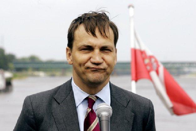 Ministrul de Externe polonez, Radoslaw Sikorski, nemultumit de Ucraina