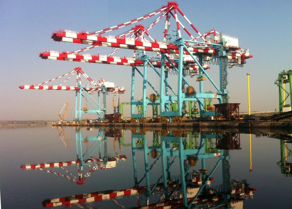 Portul de mare adancime Yujnyi, obiectiv strategic al Ucrainei