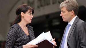 Pretinsa sefa a diplomatiei transnistrene, Nina Stanki si vicepremierul RM, Eugen Carpov