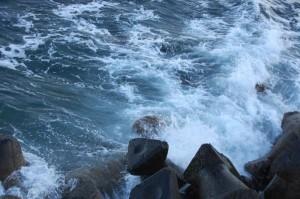 valuri-marea-neagra