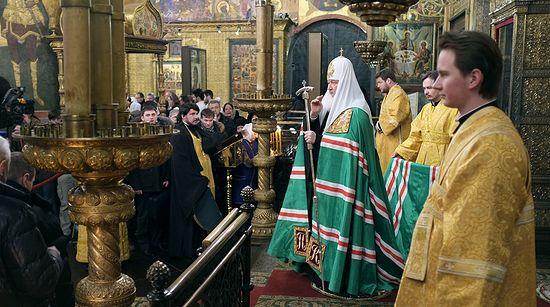 Mostenenirea imperiala a Romanovilor, folosita cu succes de Patriarhia Ortodoxa Rusa