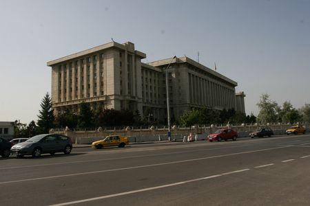 Ministerul Apararii de la Bucuresti, victima a luptelor politice