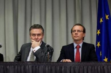 Comisarii europeni pentru vami si comert, Algirdas Semeta si Karel de Gucht