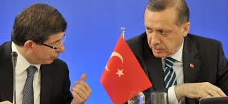 Ministrul turc de Externe, Ahmet Davutoglu și premierul turc, Recep Erdogan