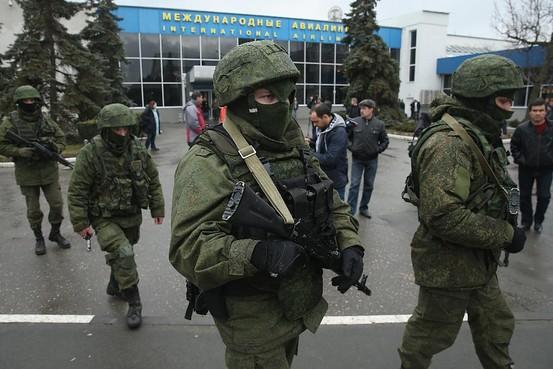 soldati rusi in Simferopol, Crimeea