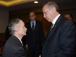 Liderul comunităţii tătare Mustafa Djemilev din Crimeea, împreună cu premierul turc Recep Erdogan