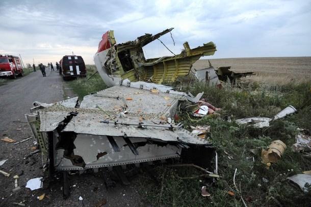 Rămășite ale aeronavei Malaysia Airlines, prăbușite în estul Ucrainei