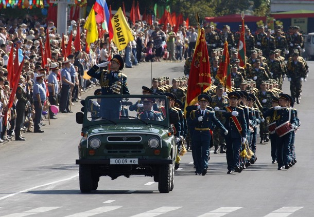 Soldiers of Moldova's self-proclaimed separatist Dnestr region march during a military parade in Tiraspol