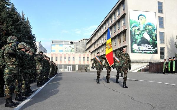militari-Republica-Moldova-ghn51