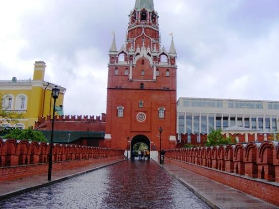Kremlinul vrea resetarea relatiilor bilaterale cu Romania