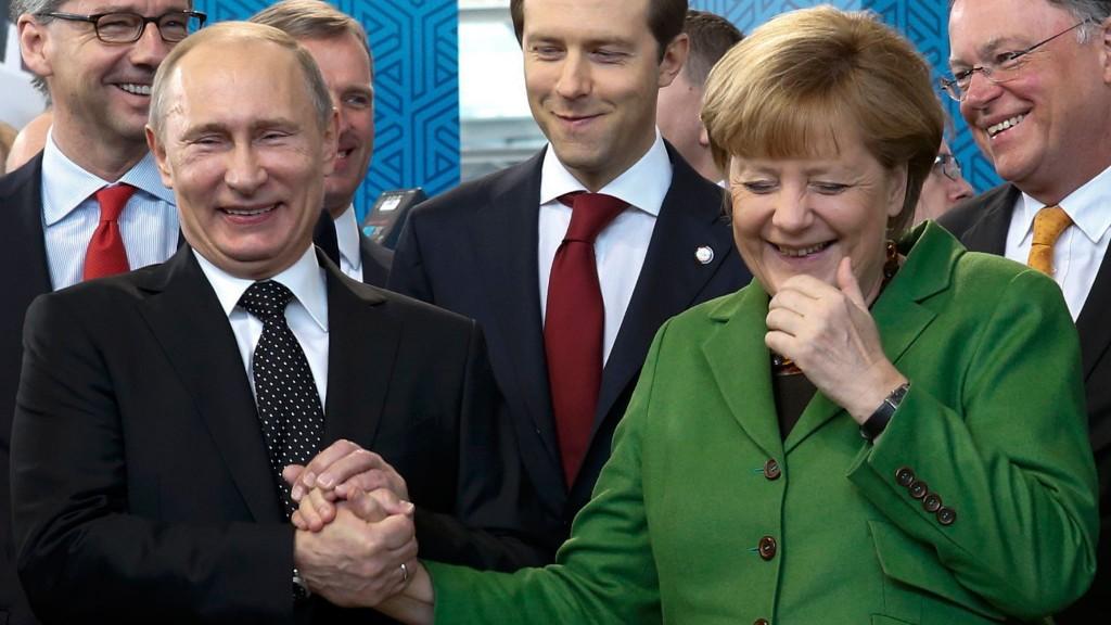 Relatia strategica Putin-Merkel, amenintata de un nou scandal de spionaj