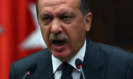 Premierul turc Recep Tayyip Erdogan, aspru criticat pentru proiectele ambitioase promovate