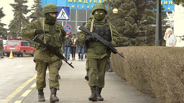ukraine-crimea-unknown-men-magnay-pkg-00003916-story-top
