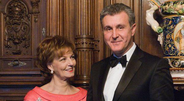 Margareta, declarata regina pe Facebook, alaturi de principele consort Radu Duda