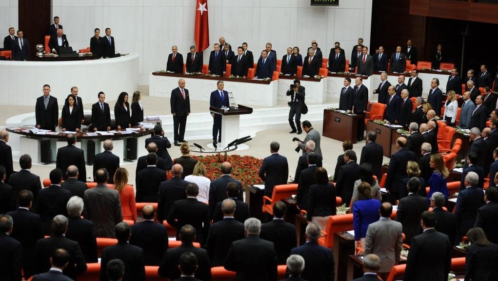 Deputatii din partidul presedintelui turc Recep Tayyip Erdogan, pregatiti sa lanseze un jihad judiciar si politic impotriva statelor occidentale și opozantilor