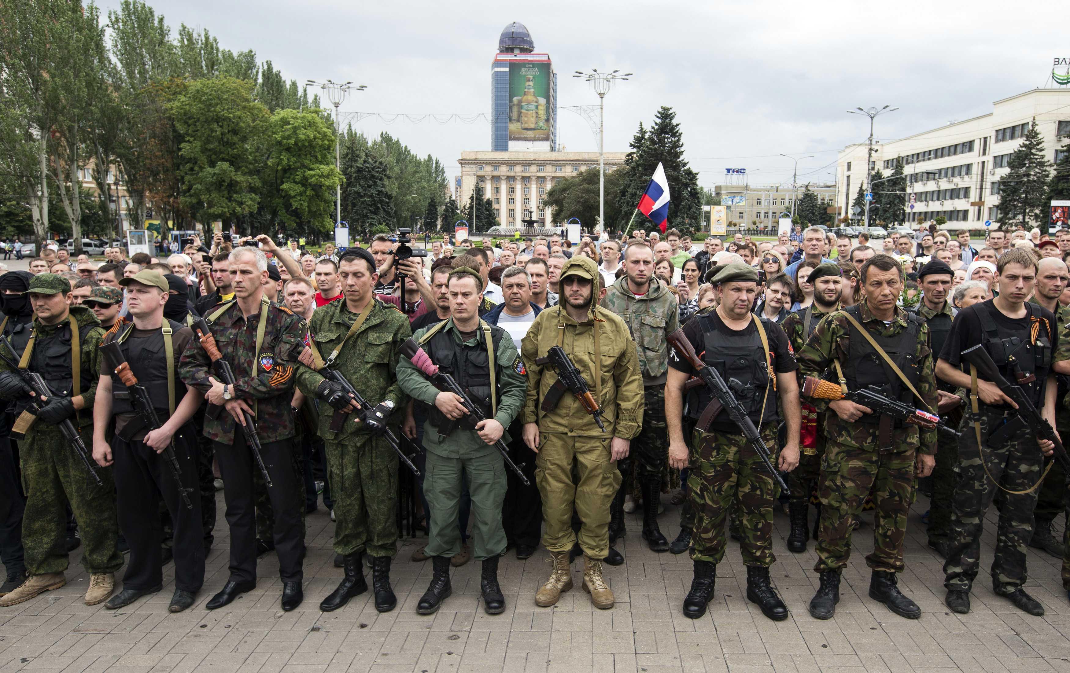 Separatiștii pro-ruși din Donbass, puternic susținuți de oligarhia ortodoxă
