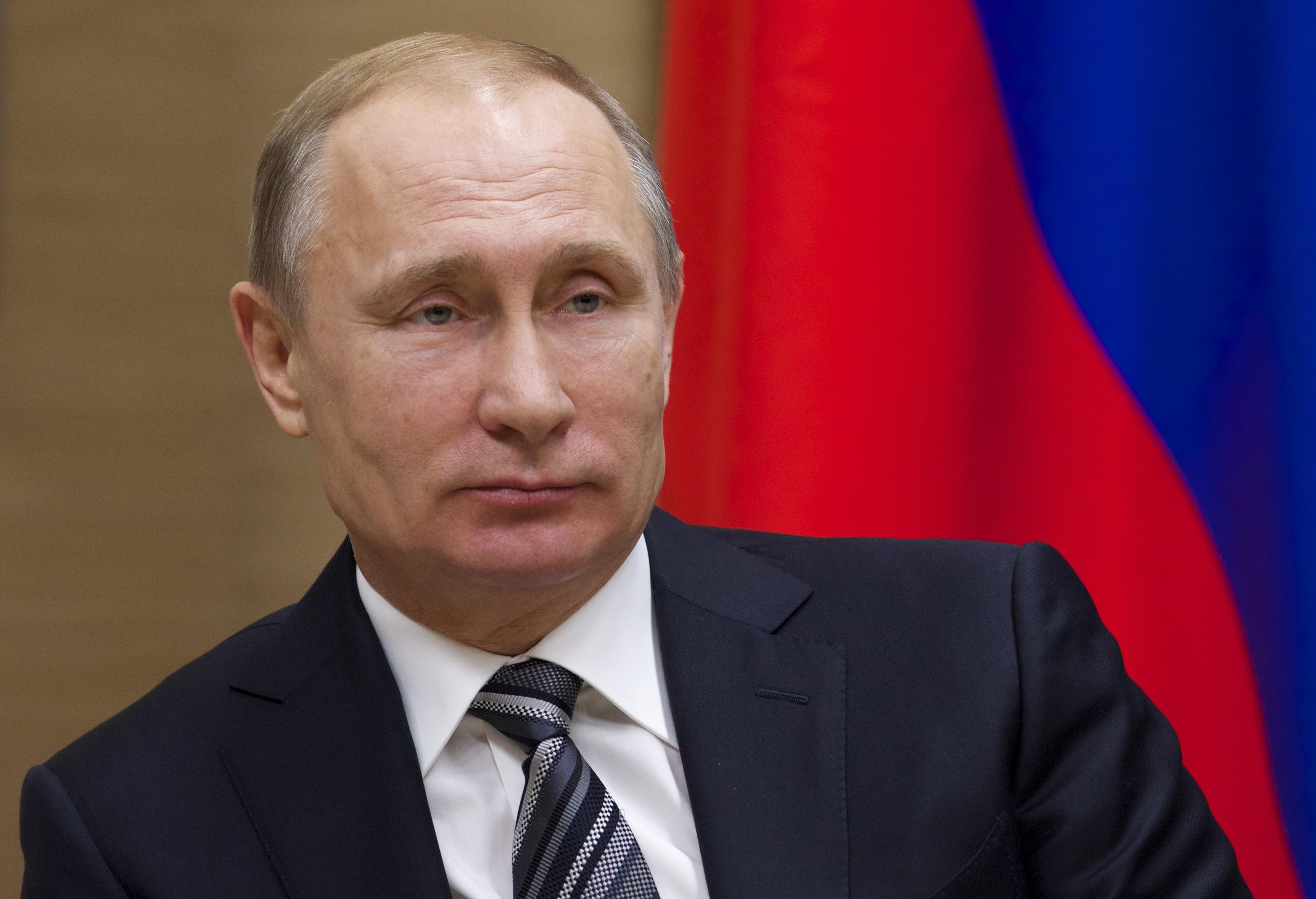 Sigur-de-victoria-în-alegerile-prezidențiale-liderul-de-la-Kremlin-Vladimir-Putin-este-plictisit-de-campania-electorală-inexistentă-din-Federația-Rusă