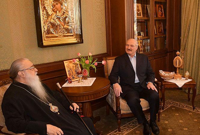 Liderul de la Minsk, Alexandr Lukașenko, se bucură de o relație privilegiată cu Patriarhia Ortodoxă Rusă, similar omologului său de la Chișinău, Igor Dodon