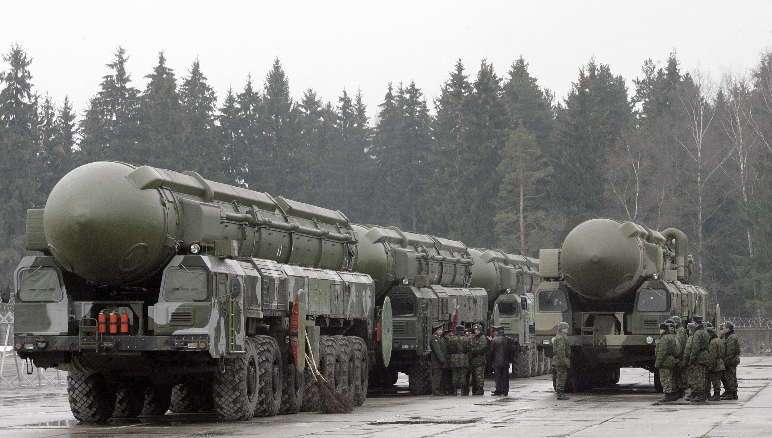 Marile puteri își ascut armele pentru un nou conflict global