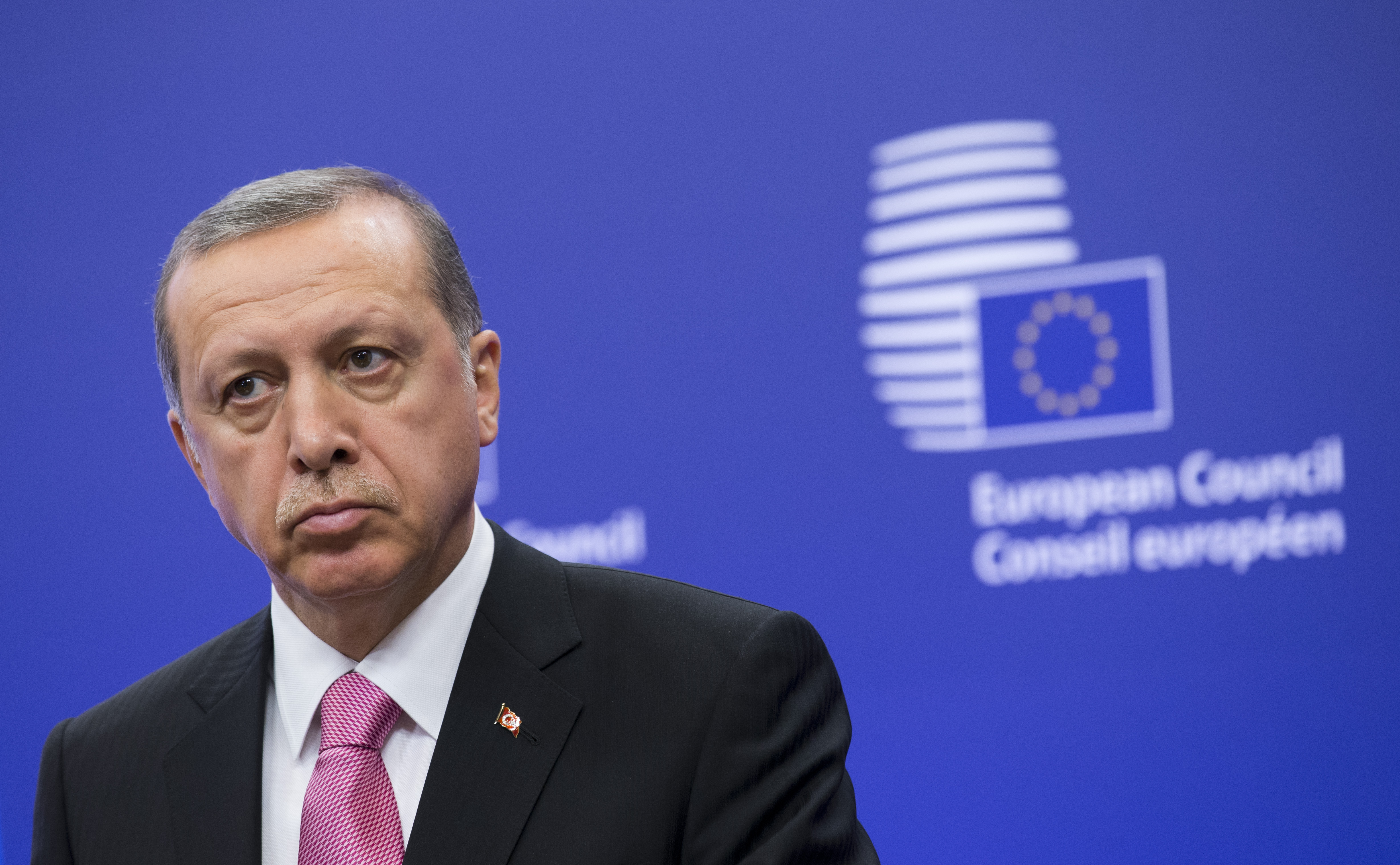Erdogan vrea să devină arbitru în disputa dintre Kiev și Moscova