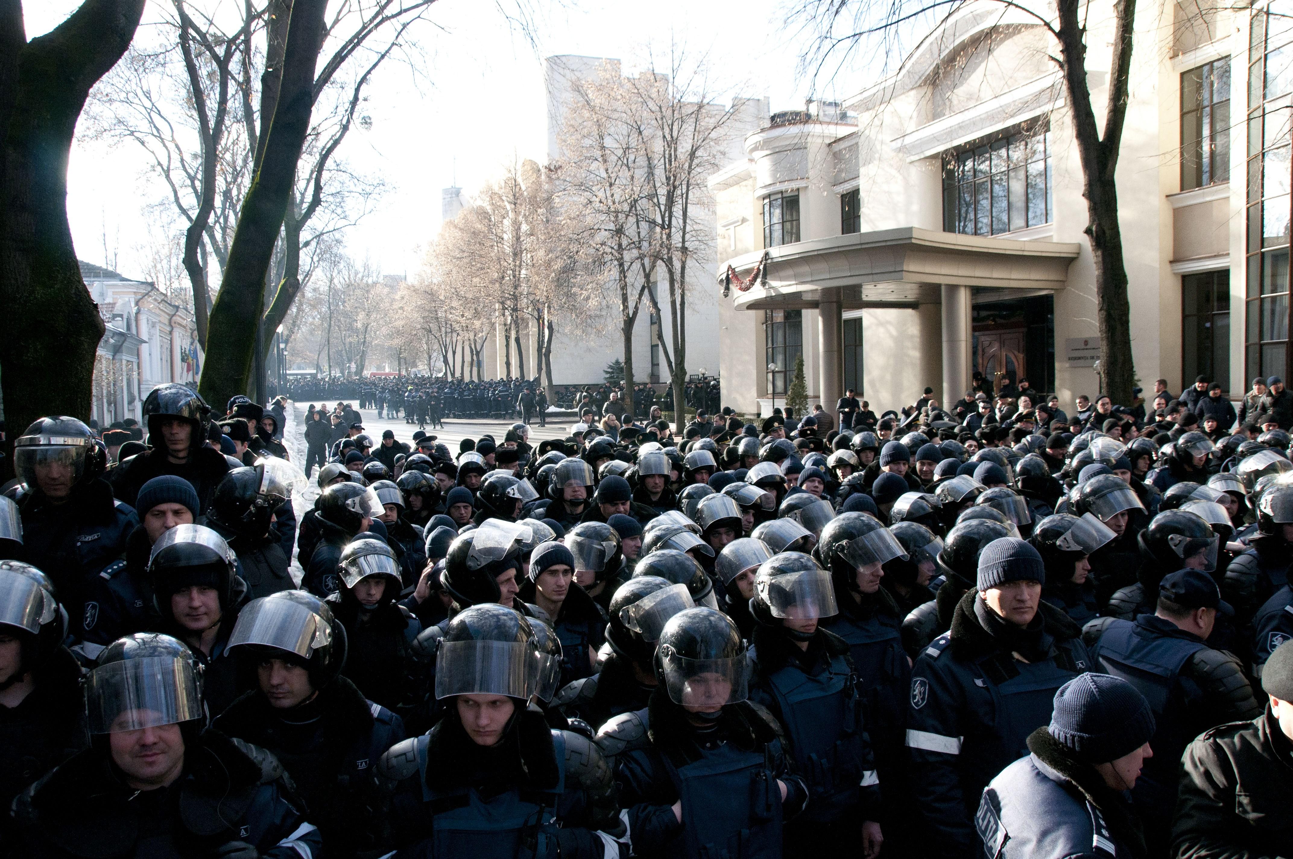 Poliția din Republica Moldova, pregătită de noi proteste de stradă