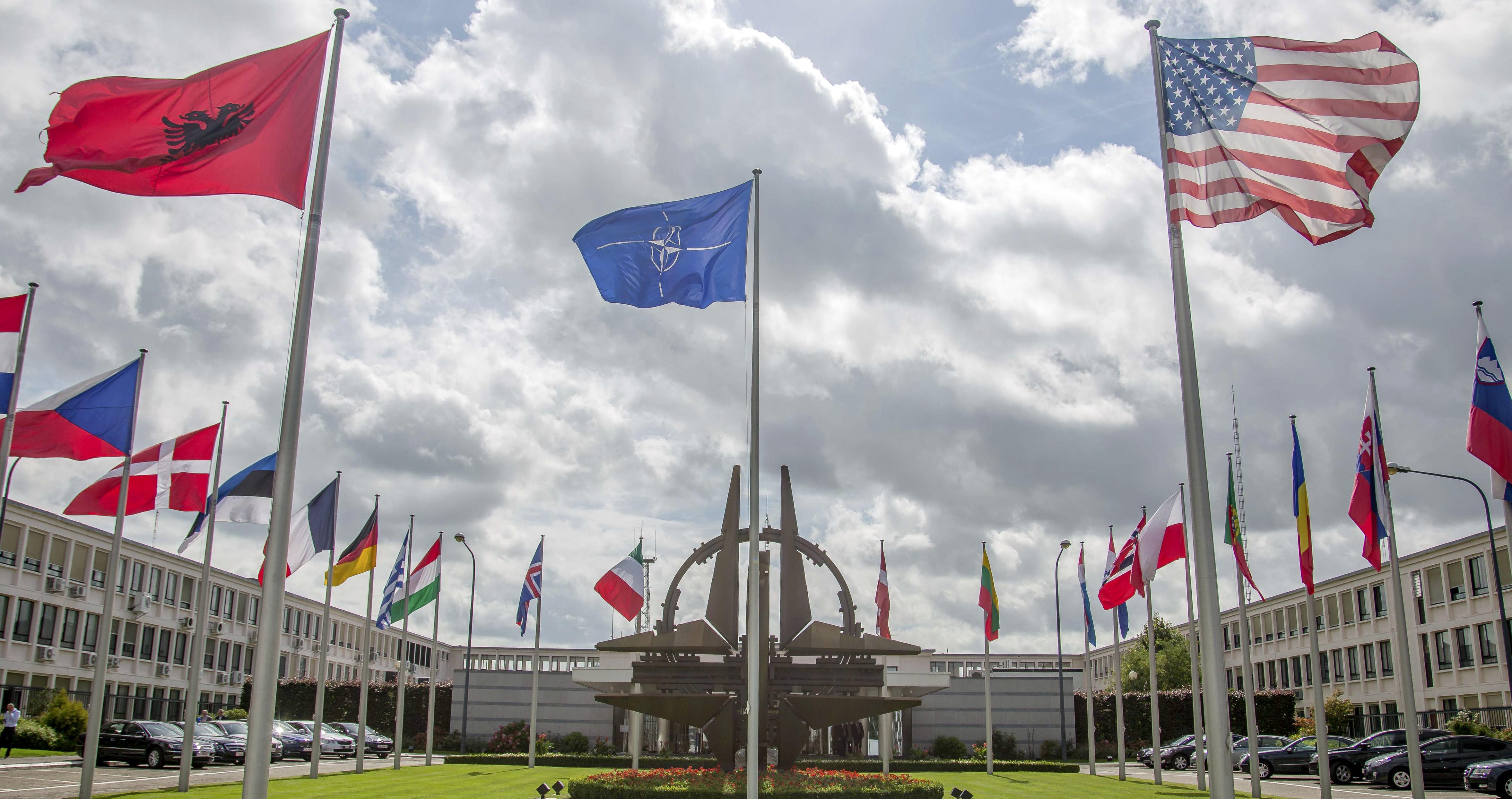 tatele-NATO-unite-în-fața-amenințării