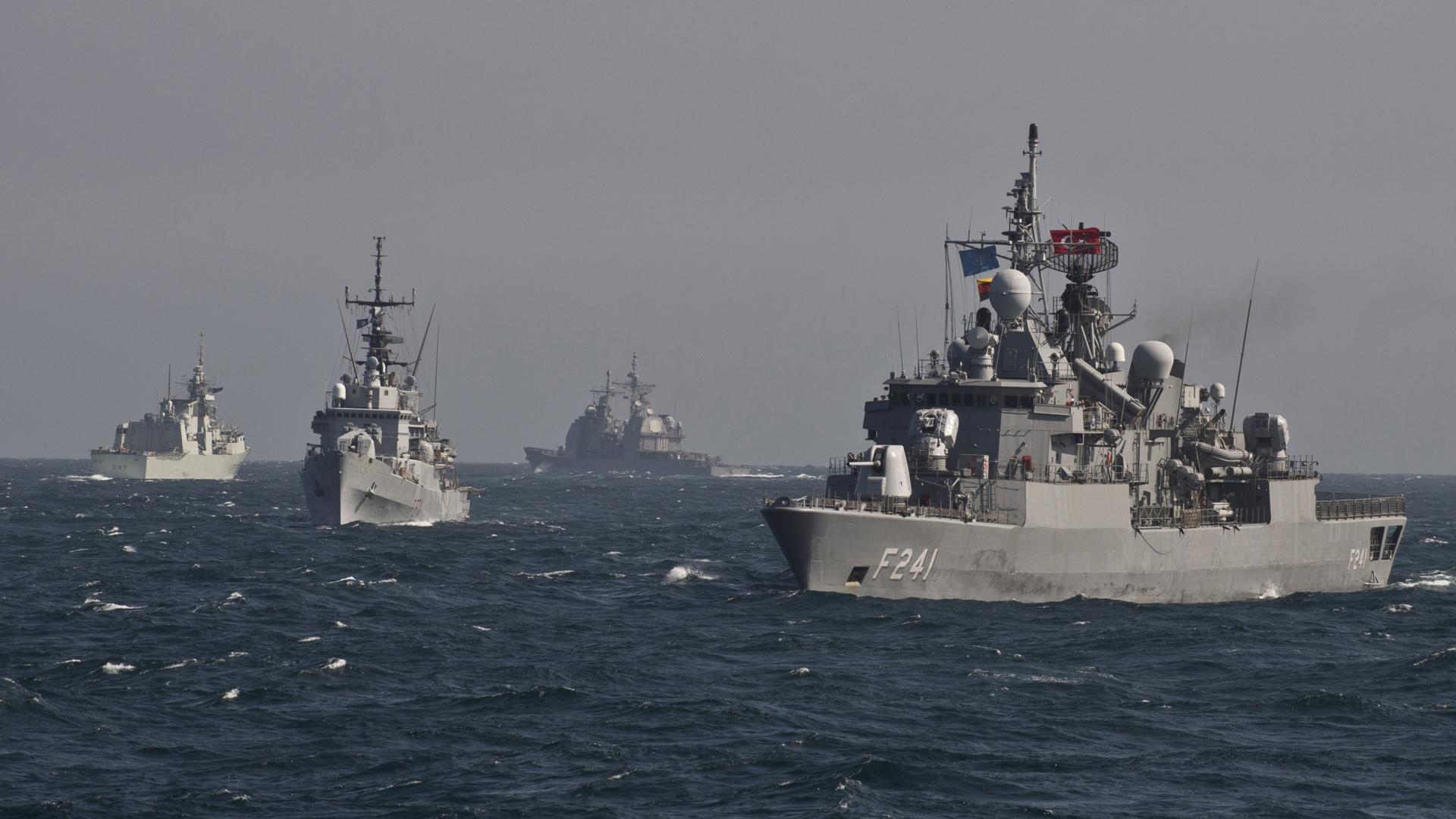 Permanentizarea prezenței militare a NATO în Marea Neagră, criticată de Kremlin