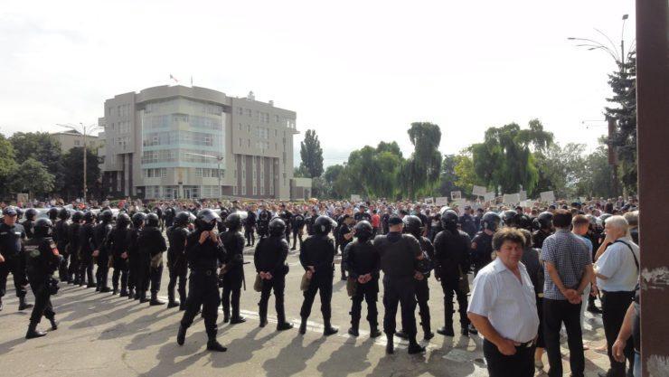 Prezența masivă a poliției a împiedicat apariția unor confruntări de stradă