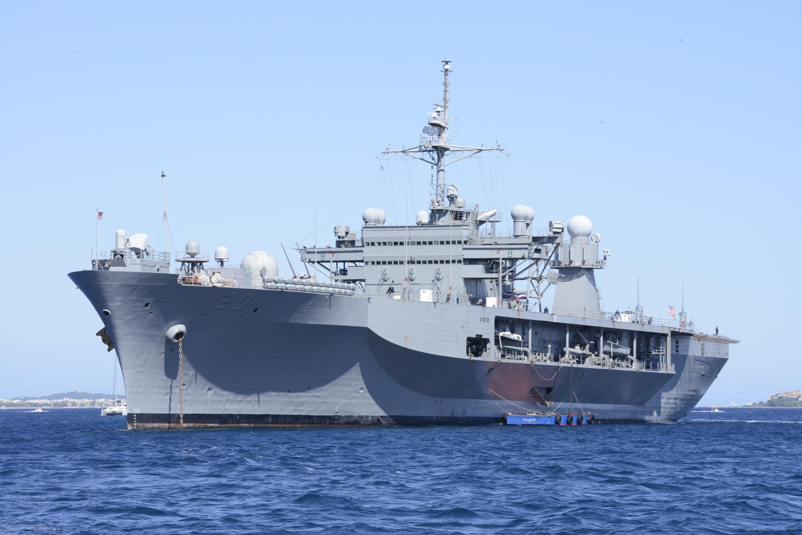 USS-Mount-Whitney-simbol-al-prezenței-maritime-a-NATO-în-bazinul-Mării-Negre