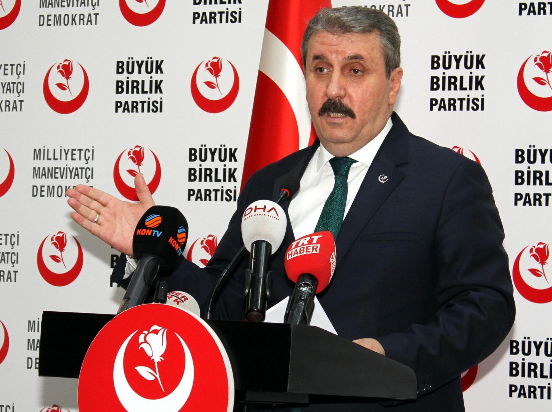 Mustafa Destici, liderul ultranaţionalist al Partidului Marii Adunări (BBP), pune în practică amenințările lui Erdogan