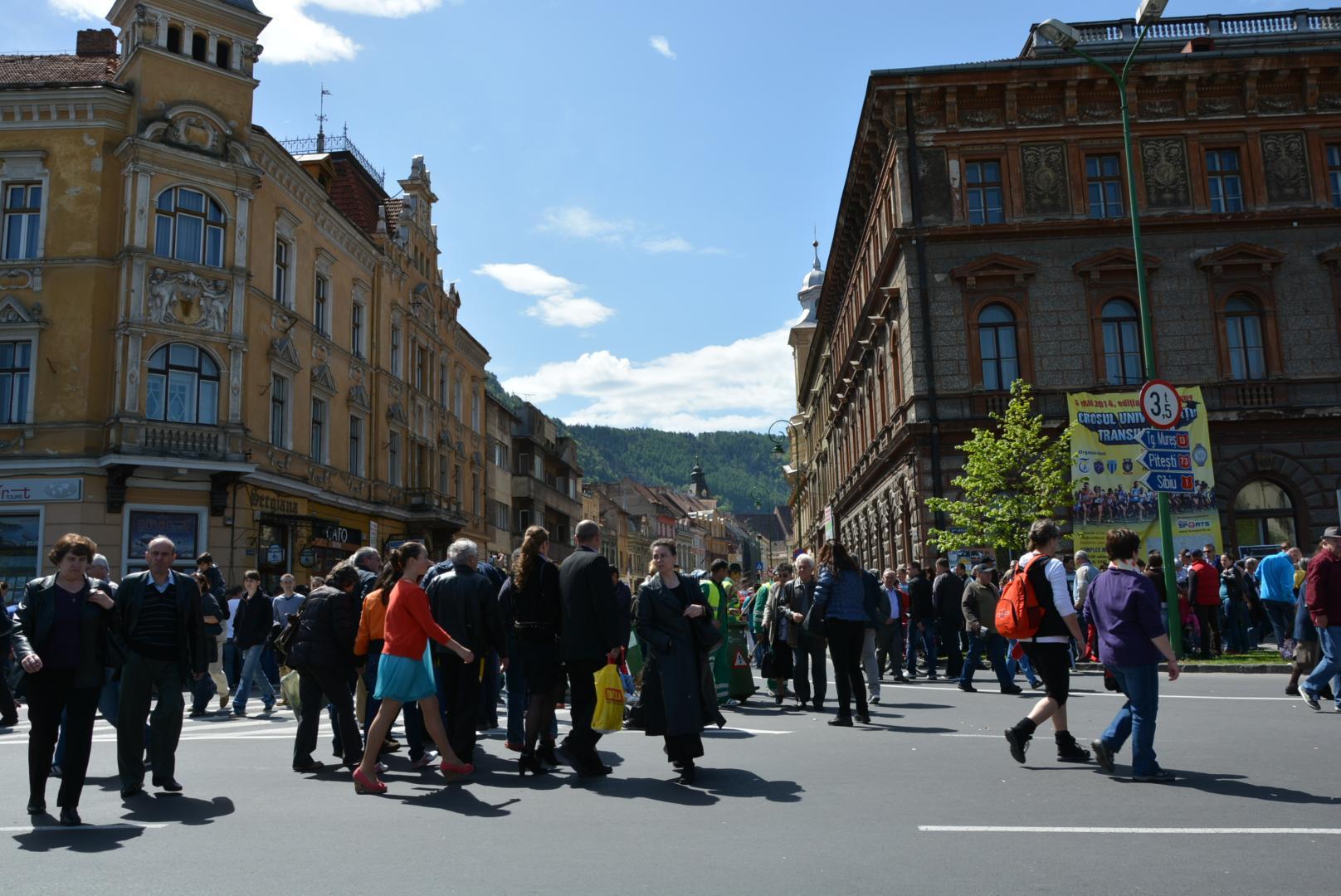 Românii cu drept de vot sunt așteptați la referendum