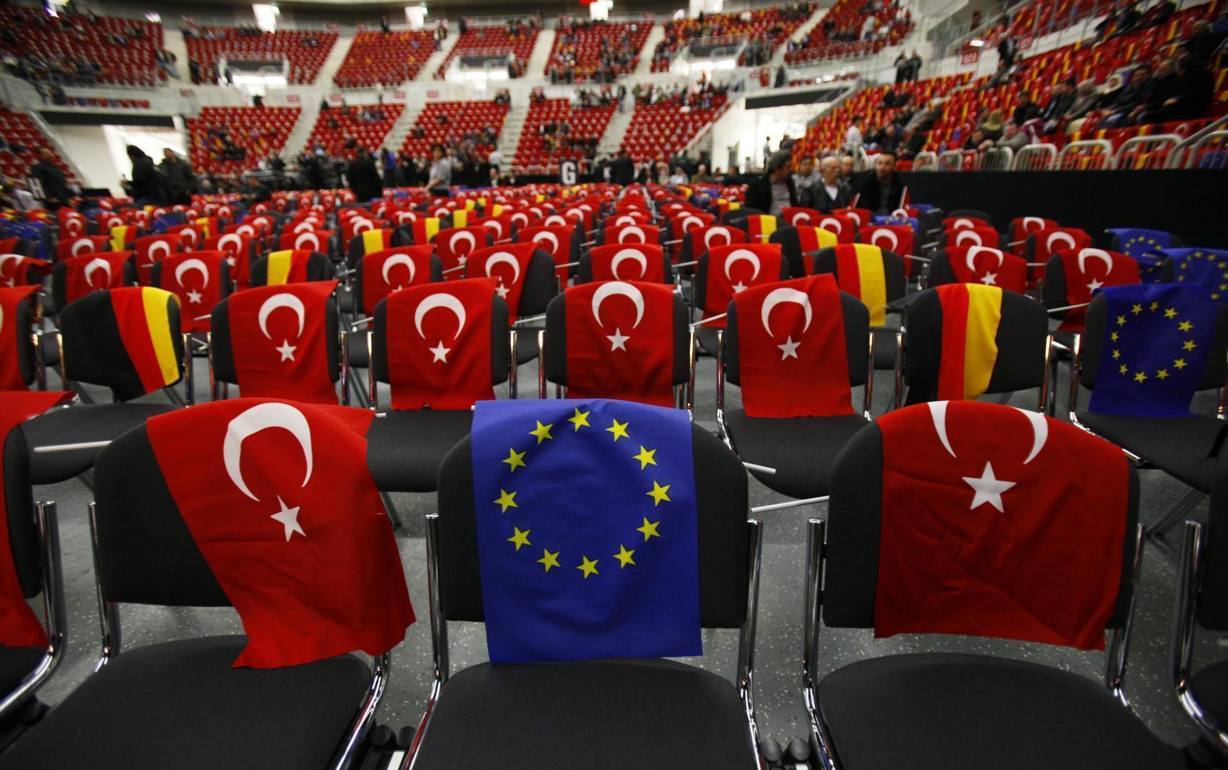 Ankara-insista-pe-aderarea-la-UE