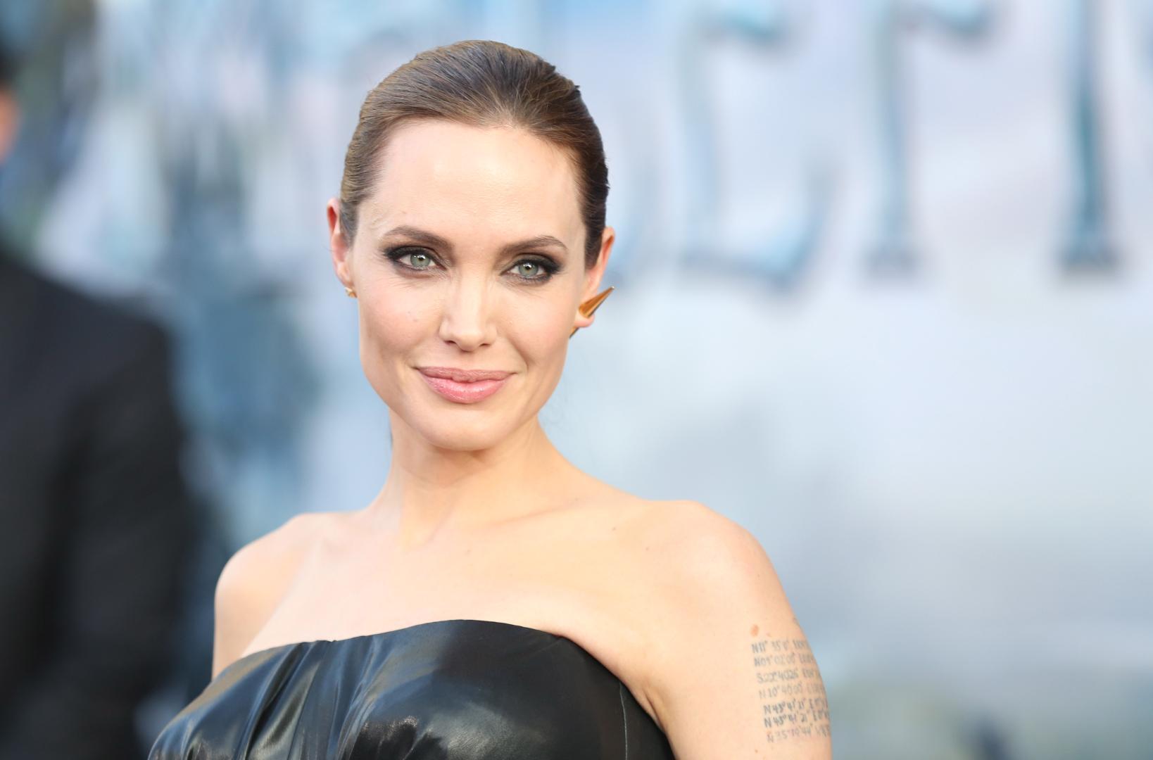 Angelina-Jolie-se-gândește-să-candideze-la-prezidențialele-americane-din-2020