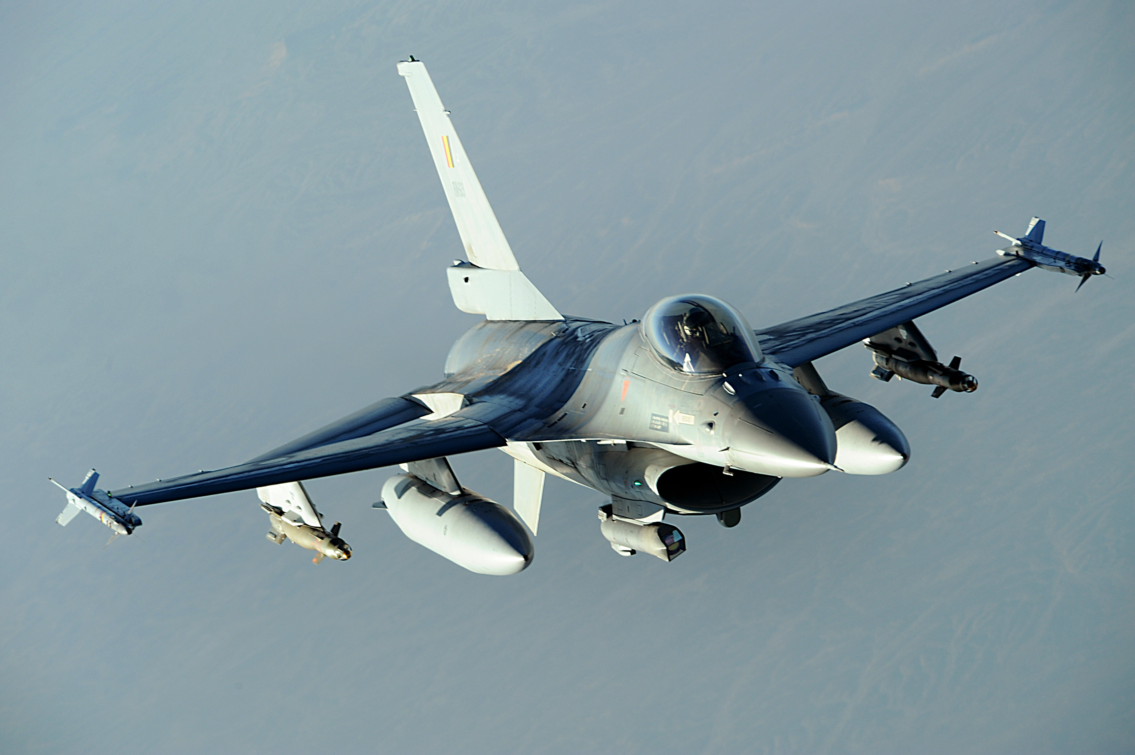 F-16, popular în Balcani