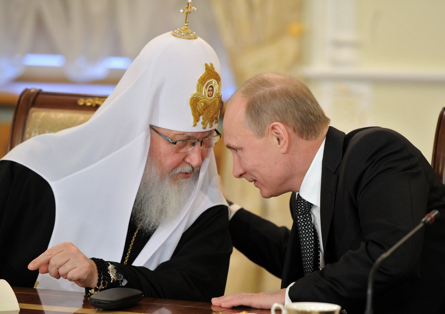 Patriarhul rus Kirill, un aliat de nadejde al presedintelui rus Putin