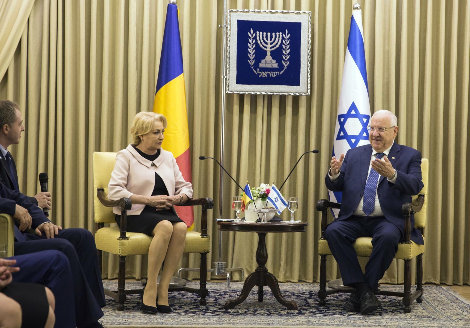 Presedintele-israelian-Rueven-Rivli-a-primit-o-pe-Viocica-Dancila-premierul-roman