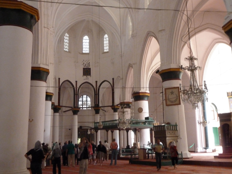Biserica Agia Sofia, iniția ortodăxă, iar ulterior romano-catolică, tranformată în Moscheea Selimiye, cunoscut punct de agitație electorală pro-Erdogan