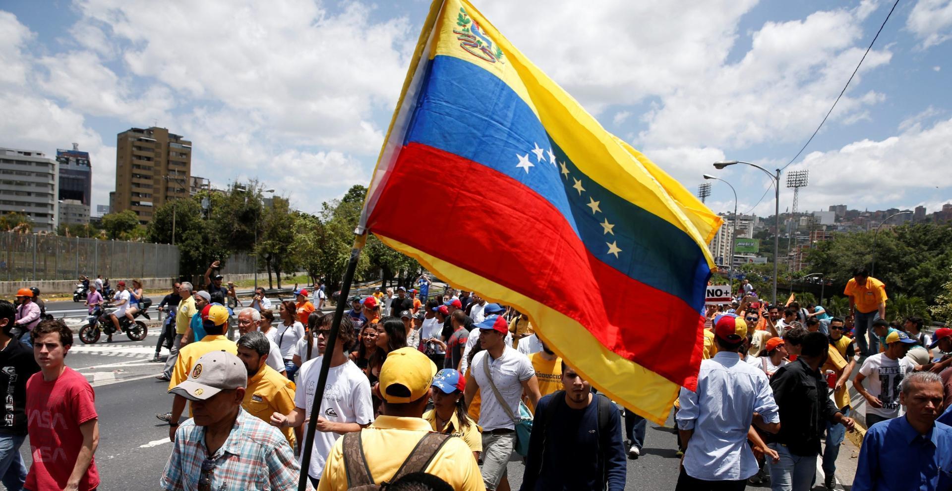Criza din Venezuela aruncă în aer America Latină